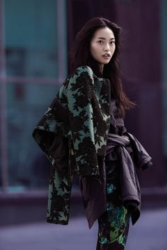 cue fall 2014 campaign1 Gabby Dover, Seon Hwang + Maddison Brown Front Cue Winter 2014 Campaign