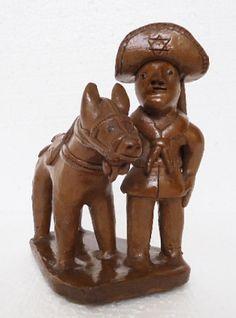 Mestre Vitalino. Lampião com cavalo. 16x9x11.5 cm