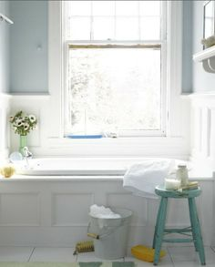 Love the bathtub and window composition, it gives such a relaxing atmosphere.