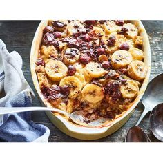 The danger with Nici Wickes' croissant pudding recipe is it's just too easy to make! Banana, hazelnuts and chocolate come together to to create an indulgent dessert that's simply irresistible Pudding Recipes, Brownie Recipes, Chocolate Recipes, Baked Chicken, Chicken Recipes, Bacon Pan, Baking Recipes, Dessert Recipes, Desserts