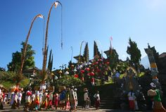 Besakih Temple is the biggest temple in Bali : Our driver will pickup you at 08.30 Am at your hotel lobby, and then we will start our Bali Tours package by visiting Batik Home industry at Batubulan Village, after that we will go to Kertagosa Court of Justice Temple in Klungkung Regency, east Bali area, after here we will continue to visit Bat Cave Temple or Goa Lawah temple the temple with bat in the hill cave, and then we will direct to visit rice terrace at Karangasem and get lunch at…