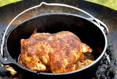 Dutch Oven Chicken - Grilled Chicken, BBQ and Spices - Dutch Oven Chicken Delicious grilled chicken with a crispy crust and really juicy meat? Dutch Oven Chicken, How To Cook Chicken, Bbq Catering, Evening Meals, Eating Plans, Grilled Chicken, Bruschetta, Meat Recipes, Cooking Recipes