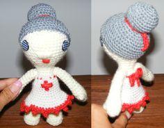 Puppe * Krankenschwester * gehäkelt * crochet  https://www.facebook.com/fraeuleinwollwunder