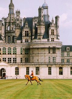 Chateau de Chambord, France (by wanderingYew2) - All things Europe