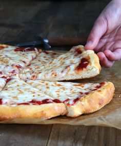Get this tested, easy-to-follow recipe for yeast free gluten free pizza. No rising time!