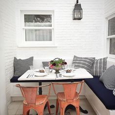 outdoor banquette by nathan turner