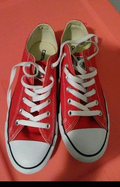 993518f846e7 Unisex Red Low Top Converse Chuck Taylor Mens 7 Womens 9  fashion  clothing