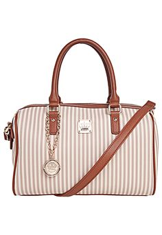 96 best  Fashion  Bolsas  images on Pinterest   50 states, Backpack ... 842d3be39c