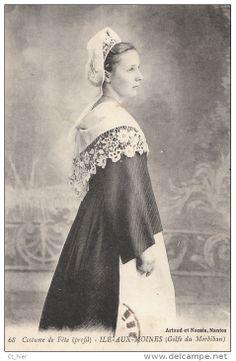 Costume féminin de l'Ile aux Moines, golfe du Morbihan