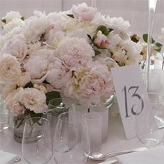 Google Image Result for http://www.weddinginvitationdatabase.com/wp-content/uploads/2011/09/Elegant-Rosse-Decoration-Ideas-For-Wedding-Table.jpg