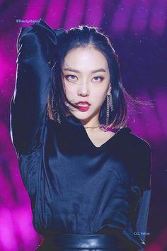 Medium Hair Cuts, Short Hair Cuts, Short Hair Styles, Kpop Girl Groups, Kpop Girls, Jang Yeeun, Korean Haircut, Trending Haircuts, Clc