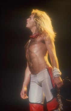 David Lee Roth! Loved his concert way back when...