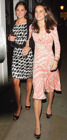 Pippa Middleton - Kate Middleton ~ Love this picture for Duchess Kate and her sister Pippa Middleton. Pippa Middleton Photos, Kate Middleton Family, Kate Middleton Style, Middleton Wedding, Pippa And James, Kate And Pippa, Princesse Kate Middleton, Herzogin Von Cambridge, Princesa Kate