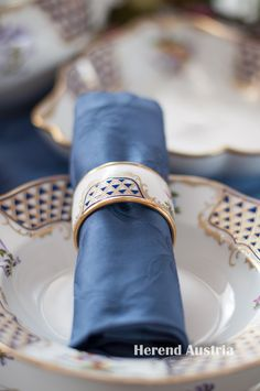 Napkin Ring MTFC Mosaic and Flowers Decor -Herend Fine china Tea Sets, Fine China, Flower Decorations, Napkin Rings, Mosaic, Porcelain, Blue And White, Dinner, Flowers