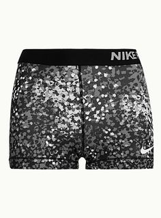 b5ba0ac8b13df Le short ajusté imprimé graffitis de Nike - Vêtements de Sport et  d Entrainement pour