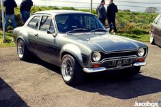Classic Ford Escort mk I love this car. My father use to have one:) Classic Cars British, British Sports Cars, Ford Classic Cars, Custom Classic Cars, Ford Rs, Car Ford, Auto Ford, Escort Mk1, Ford Escort