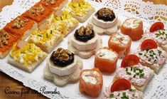 Canapés variados fáciles y rápidos Canapes Faciles, Tapas, My Favorite Food, Favorite Recipes, Farmers Market, Finger Foods, Catering, Sushi, Buffet
