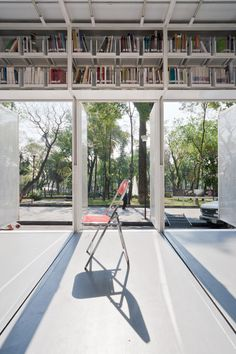 productora: A47 mobile library. Bookmobile with lovely space to read in Mexico City.