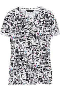 Nada más básico -y cool- que una t-shirt, ¡en cualquier momento! Playera estampada de Karl Lagerfeld + Tokidoki