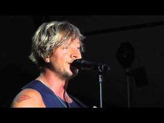 "Sunrise Avenue - Samus Ansprache vor ""Welcome to my life"" - Loreley, 11.7.2015 - YouTube"