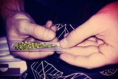 Syntetyczna marihuana może powodować psychozy, drgawki, uzależnienie a nawet śmierć.