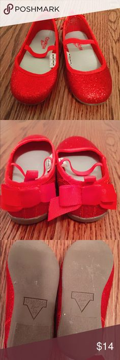 👠 Amazing Red Sparkly Shoes 👠 So adorable!! These are in amazing condition. They were worn for about an hour on Christmas. I can't find any flaws, basically in new condition. These are so cute! Osh Kosh Shoes Dress Shoes