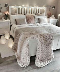 bedroom decor ideas for teens; Small and warm cozy bedroom i… cozy bedroom ideas; bedroom decor ideas for teens; Small and warm cozy bedroom ideas; Dream Rooms, Dream Bedroom, Girls Bedroom, Bedroom Themes, Lux Bedroom, Master Bedrooms, Bedroom Lamps, Bedroom Neutral, Bedroom Vintage
