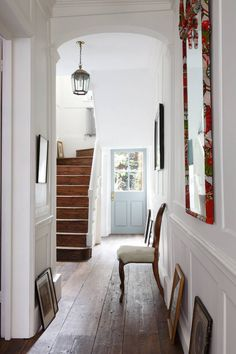 Hallway ideas from the world's most stylish homes, your essential guide to choosing hallway furniture and hall decoration. Folding Furniture, Diy Furniture Table, Diy Furniture Plans, Hallway Furniture, Farmhouse Furniture, Home Design, Interior Design, Design Ideas, English Antique Furniture