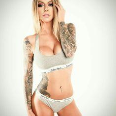 Tattooed Girls Daily