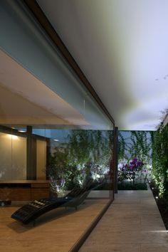 Bugambilea Master Bedroom Garden