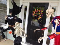 Baxter Skeletons: Batman and Robin Diy Halloween, Batman Halloween, Halloween Scene, Halloween Quilts, Halloween Yard Decorations, Halloween Skeletons, Outdoor Halloween, Halloween 2018, Halloween House