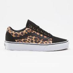 Vans Old Skool Pumps In Black Leopard Print - Leopard Type In The World Vans Old Skool, Vans Shoes Women, Custom Vans Shoes, Top Shoes, Women's Shoes Sandals, Shoe Boots, Vans Sneakers, Crazy Shoes, Me Too Shoes
