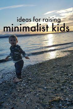 ideas for raising minimalist kids- sunshine guerrilla Natural Parenting, Parenting Advice, Kids And Parenting, Gentle Parenting, Minimalist Kids, Minimalist Lifestyle, Minimalist Living, Minimalist Parenting, Games Of Desire