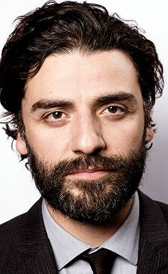 We're calling it: Oscar Isaac has the best beard in Hollywood right now.