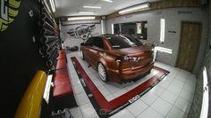 """No 7º episódio da serie Samy compartilha toda a sua experiencia  conosco em um incrível projeto executado com excelência em seu próprio carro, um Mitsubishi Lancer todo equipado para as pistas. Os detalhes do projeto e os conceitos deste """"MONSTRO"""" do envelopamento você confere agora no IMPRIMAX GARAGE. Mitsubishi Lancer, Garage, Cars, Log Projects, Carport Garage, Garages, Car Garage, Carriage House"""