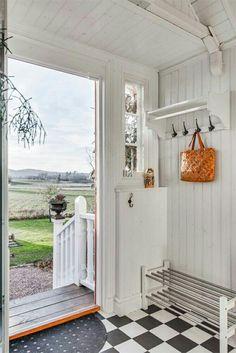 Wonderful Dream, Mudroom, Entryway, Farmhouse, Cottage, Windows, Scandinavian Interiors, Summer, Coat Hanger
