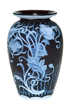 Humler & Nolan | November 2013    Impressive Thomas Webb & Sons English cameo Vase