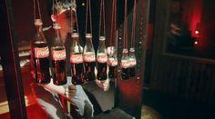 [Coke Code 329] 유튜브 스타 커트 슈나이더와 코카-콜라 보틀, 글라스로 만들어낸 환상적인 음악♡ 두근두근 설레는 마음안고 연아퀸을 기다리는 트친님들~ 따뜻한 음악, 코-크와 남은시간도 즐거운 기다림 함께해요^^