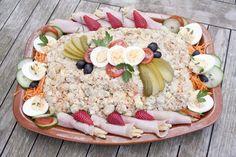 Classic Potato Salad, Easy Potato Salad, Garlic Bread Seasoning Recipe, Dutch Recipes, Cooking Recipes, Yummy Snacks, Yummy Food, Salads For A Crowd, Party Food Platters