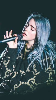 Just looking at this picture reminds you of any Billie songs? Billie Eilish, Wallpaper Sky, Her Music, Lisa Simpson, Michael Jackson, Pretty People, Music Artists, Ariana Grande, My Idol