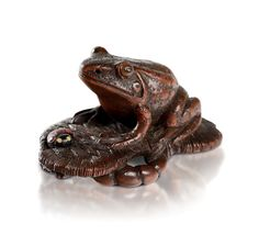 A WOOD NETSUKE OF A TOAD WITH A LADYBIRD ON A STRAW SANDAL   Galerie Arcimboldo