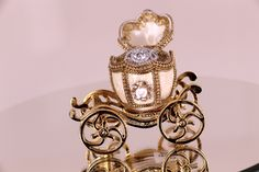 Perfect for disney lovers! Disney Rings, Cinderella Carriage, Dessert Stand, Lovers, Wedding Rings, Engagement, Gold, Beautiful, Jewelry