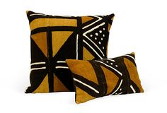Inspiring Elegant Mudcloth Pillows Design Ideas that Must You See - Rockindeco African Room, African Theme, African Art, African Textiles, African Fabric, Designer Pillow, Pillow Design, Shibori, Diy Pillows