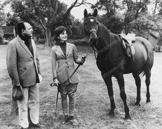 Jackie Kennedy & Pakistan President With Horse 8x10 Old Photo Jackie Kennedy & Pakistan President With Horse 8x10 Old Photo Here is a neat collectible featuring first lady Jackie Kennedy and the Pakis