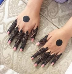 Simple Mehndi Designs Fingers, Circle Mehndi Designs, Finger Mehendi Designs, Pretty Henna Designs, Henna Tattoo Designs Simple, Latest Bridal Mehndi Designs, Henna Art Designs, Mehndi Designs For Beginners, Mehndi Designs For Girls