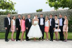 Mariage, domaine de sarson, drôme, grignan, mariés, robe, rosa clara, costume samson, temoins, rose, noeud papillon, colonel moutarde.