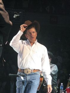 HD Wallpaper and background photos of George Strait for fans of George Strait images. Country Music Stars, Country Music Singers, Country Artists, Joyce Taylor, George Strait Family, Celebrity Travel, Celebrity News, Country Men, King George