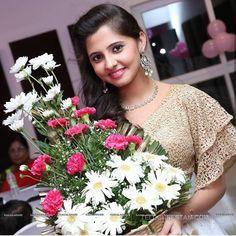 Preethi Asrani Beautiful Girl Indian, Beautiful Girl Image, Most Beautiful Indian Actress, Beautiful Actresses, Indian Girl Bikini, Samantha Photos, Haldi Ceremony, Tamil Actress Photos, Beauty Full Girl