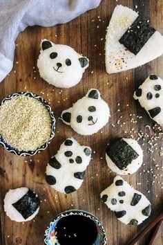 Pandas onigiris au shiitake épicé  - Cette recette de pandas onigiris au shiitake épicé est parfaite pour vos bentos ou vos soirées plateaux de sushis entre amis !