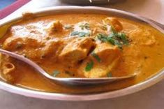 Simple and easy recipe for making a delicious Korma Curry which will serve a group of four - perfect recipe for beginner cooks looking to make an interesting dish for a dinner party